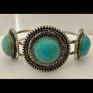 Jewelry - Silver Tone Hinged Bracelet Turquoise Color Stone